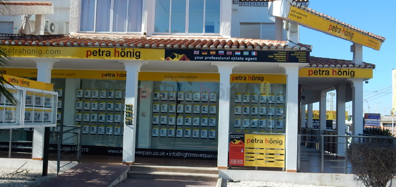 Petra Honig: the estate agents in Ciudad Quesada