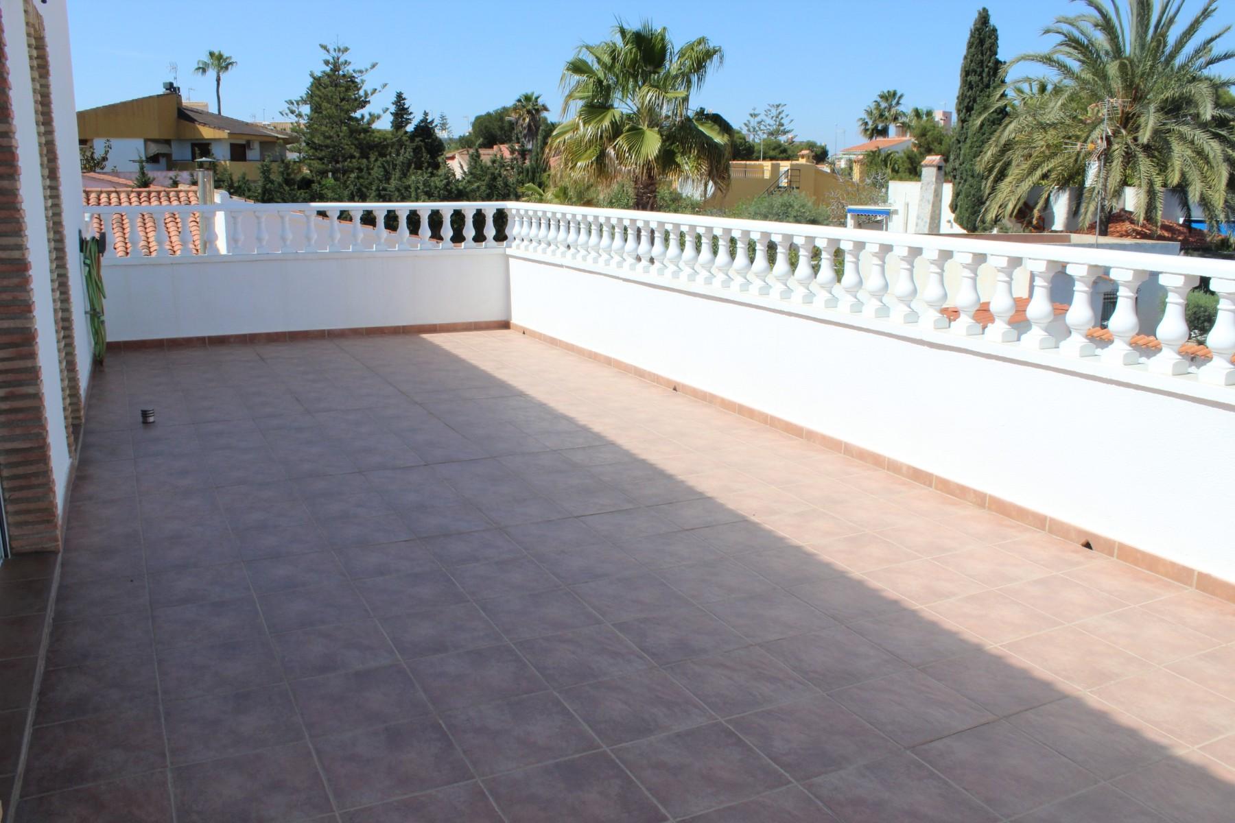 Vrijstaande villa in La Zenia - Bestaande bouw