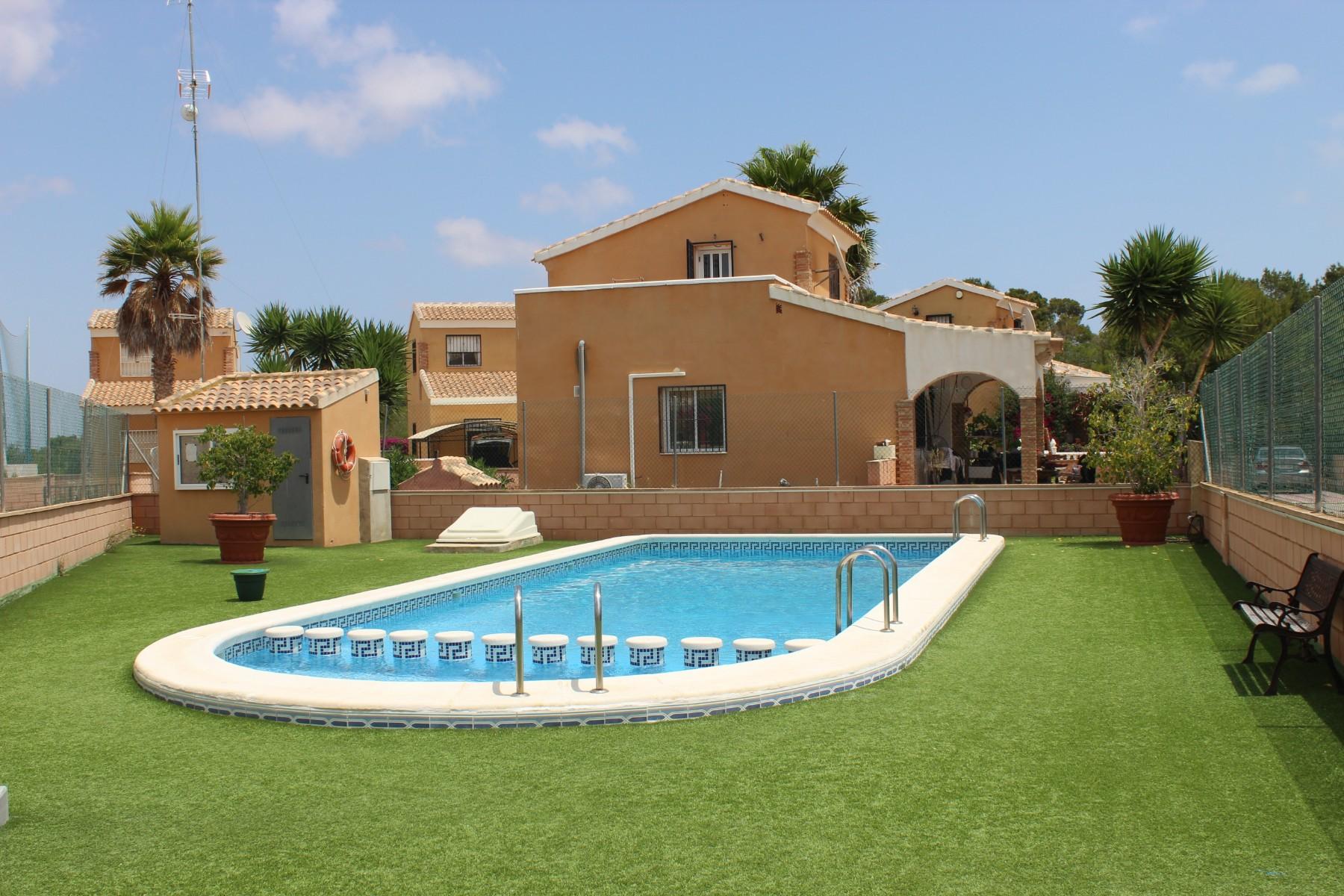 Vrijstaande villa in Los Balcones - Bestaande bouw