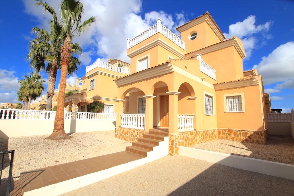 Freistehende Villa in Lo Crispin - Wiederverkauf